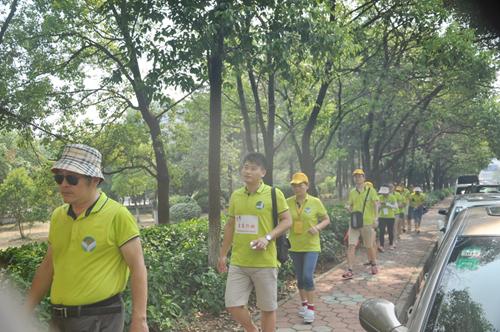 经沿江大道到达赣江沿岸的滨江公园,折返回西湖区疾控中心.